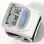 L'autotensiomètre au poignet pour un suivi santé à domicile
